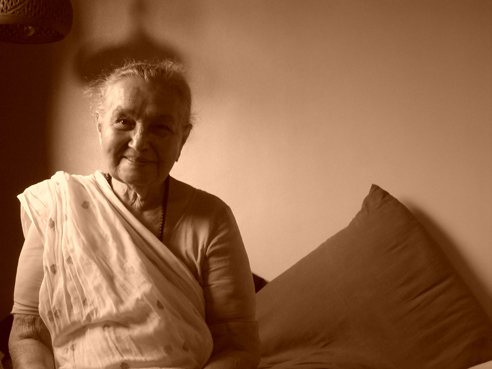 Sepia potrait of old woman